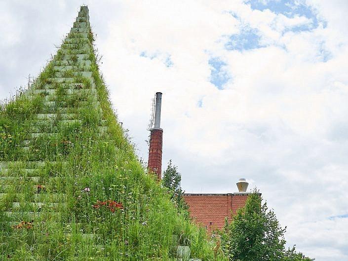 The Living Pyramid, Das Kunstwerk von Agnes Denes