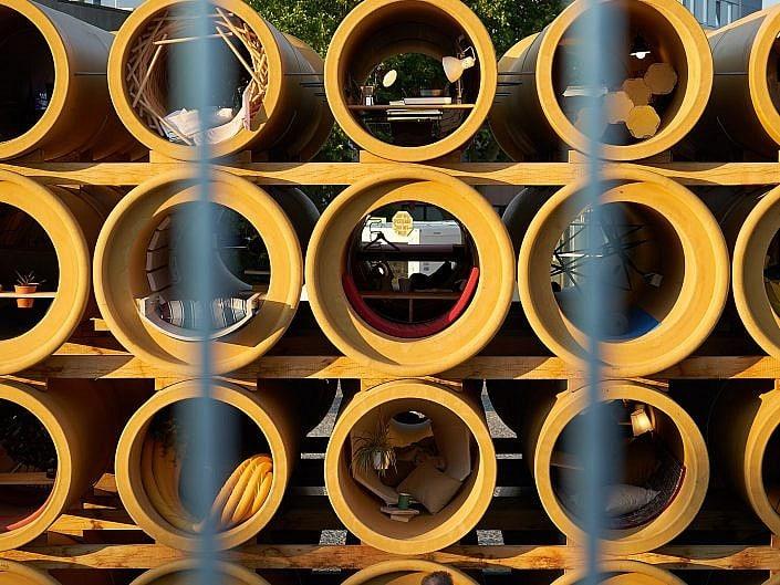 Röhren-Installation, Hiwa K